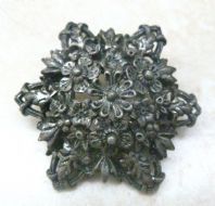 Vintage Rare Miracle Raised Flower Design Brooch.